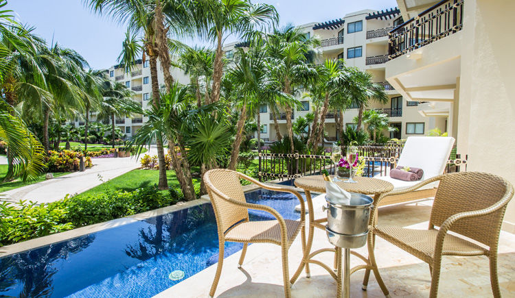 terrasse avec piscine privee des chambres premium deluxe