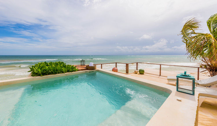 terrasse face a la mer avec piscine privee