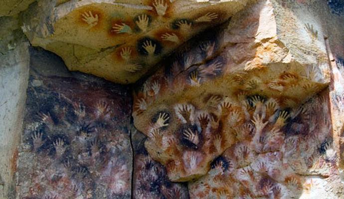 cueva manos