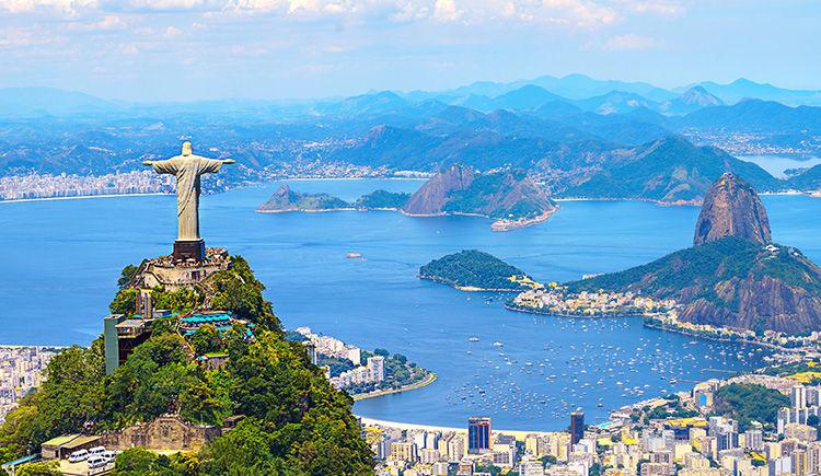 le Christ Redempteur au sommet de la montagne Corcovado