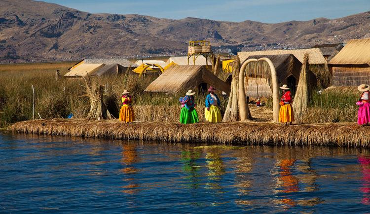 ile flottante du lac Titicaca