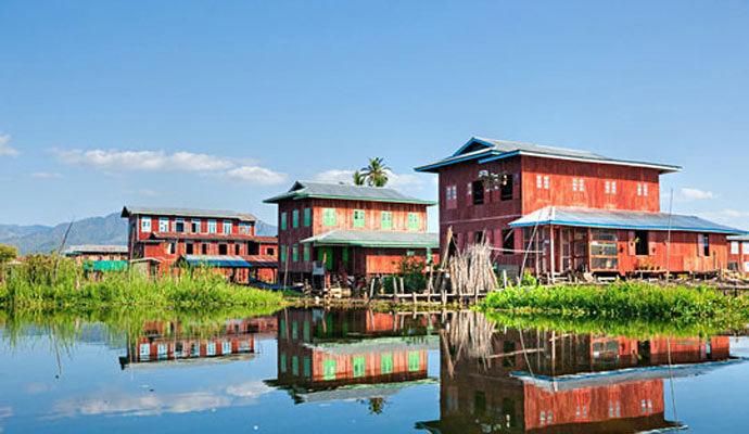 maisons sur le lac inle
