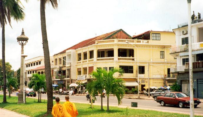 phnom penh riverfront
