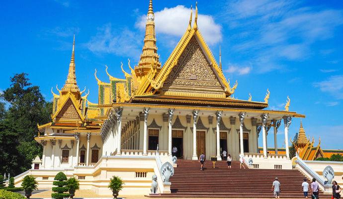 LEssentiel du Cambodge 3 * palais royal de phnom penh