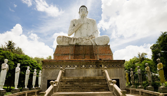 LEssentiel du Cambodge 3 * buddha battambang
