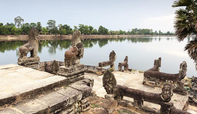 LEssentiel du Cambodge 3 * srah srang