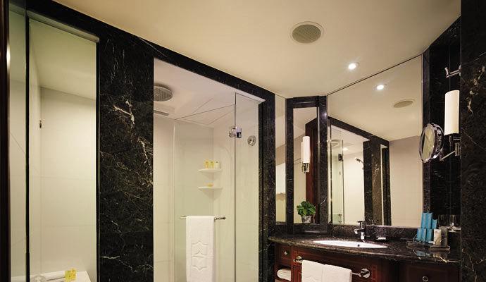 salle de bains chambre deluxe
