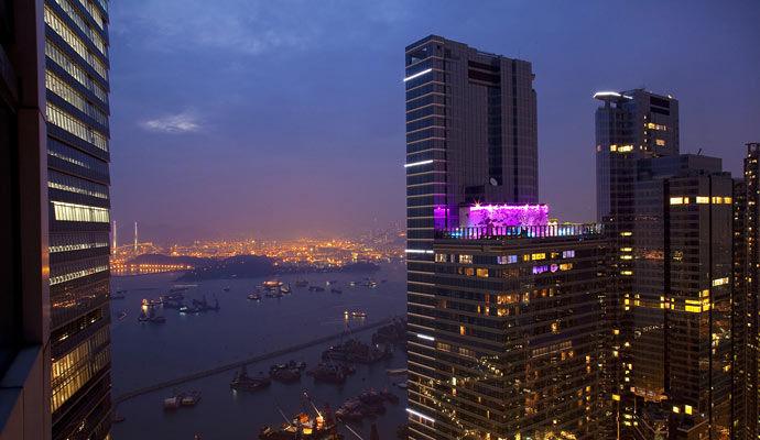 W Hong Kong 5 *
