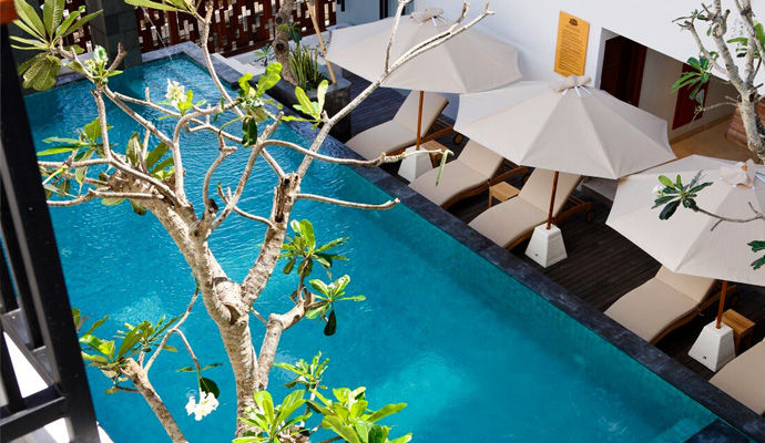 piscine Swiss Belhotel