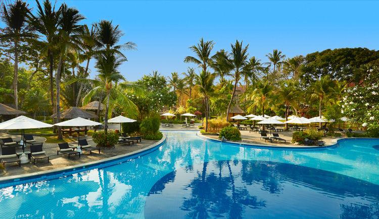 Nusa Dua / Ubud Hôtels Melia Bali et Alila  Melia piscine
