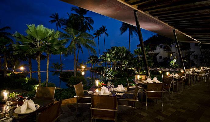 restaurant full moon