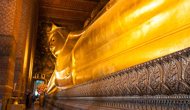 le grand Bouddha allonge de Wat Pho