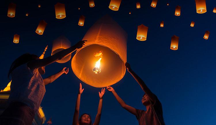 festival Yi Peng a Chiang Mai