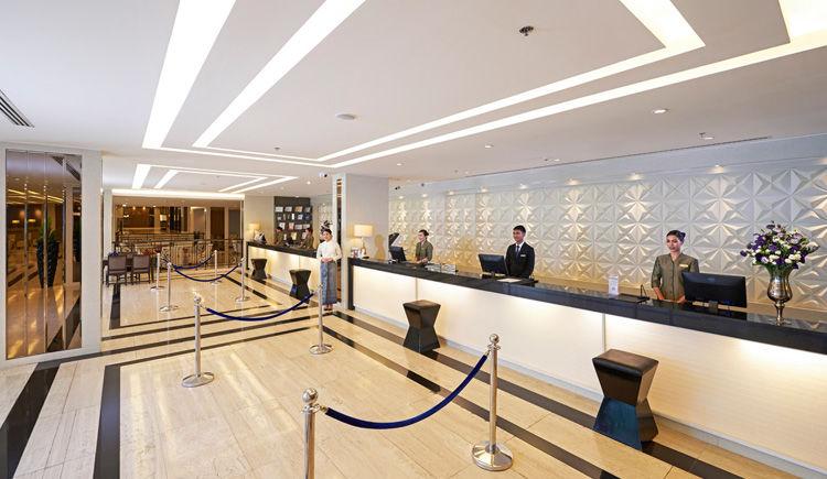 Mandarin Hotel Managed lobby
