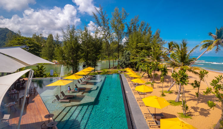 Kokulo Beach Club pool