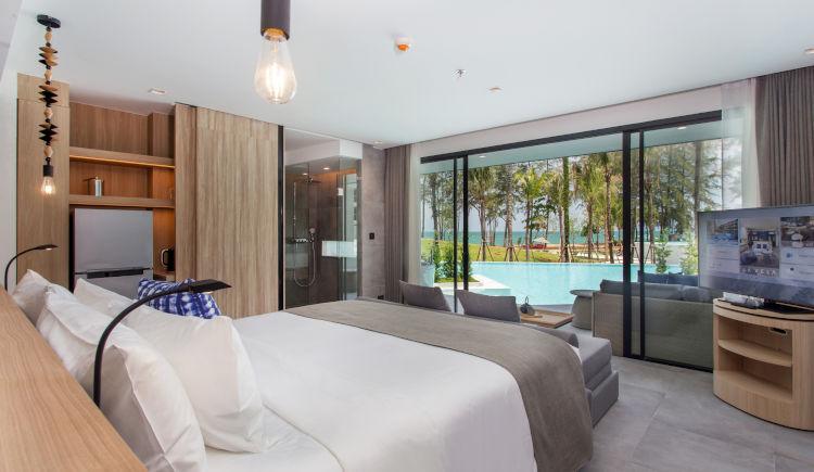 Pool Access grand seaview bedroom