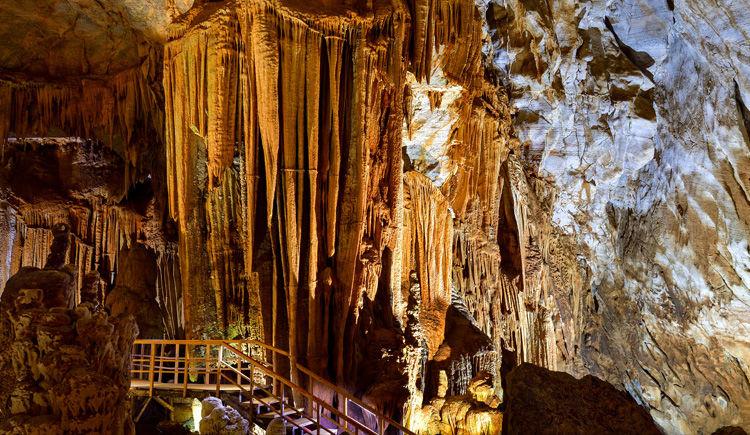 Grotte Phong Nah