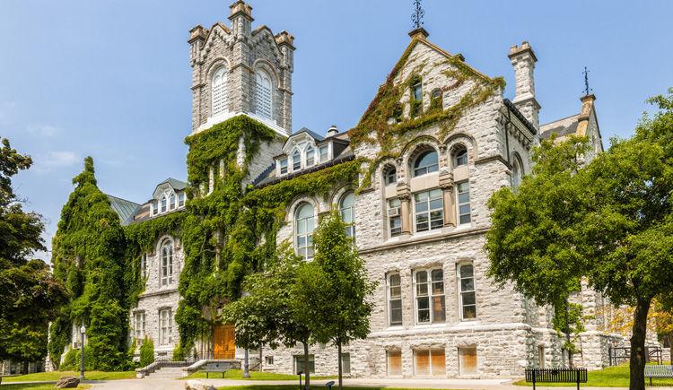 Queen university de Kingston