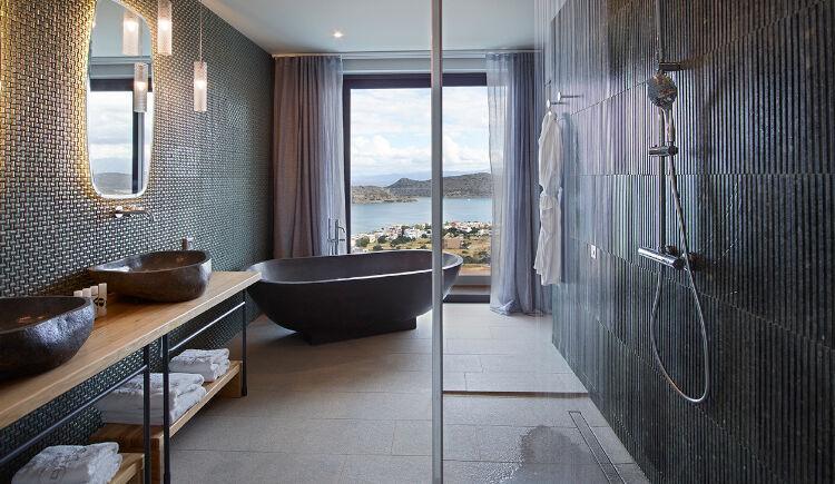 Grand villa salle de bain