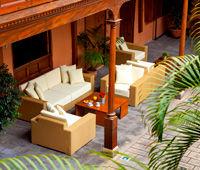 The La Quinta Roja 4 *