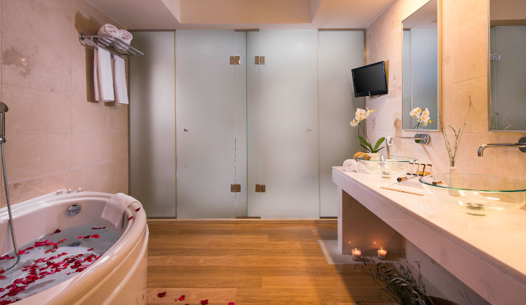 Grande suite salle de bain