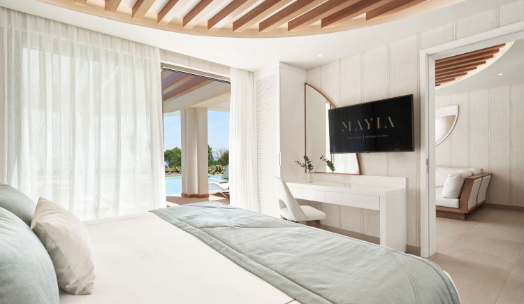 Suite with private pool sea view