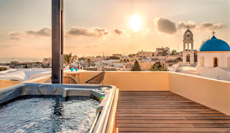 Aegean suite jacuzzi