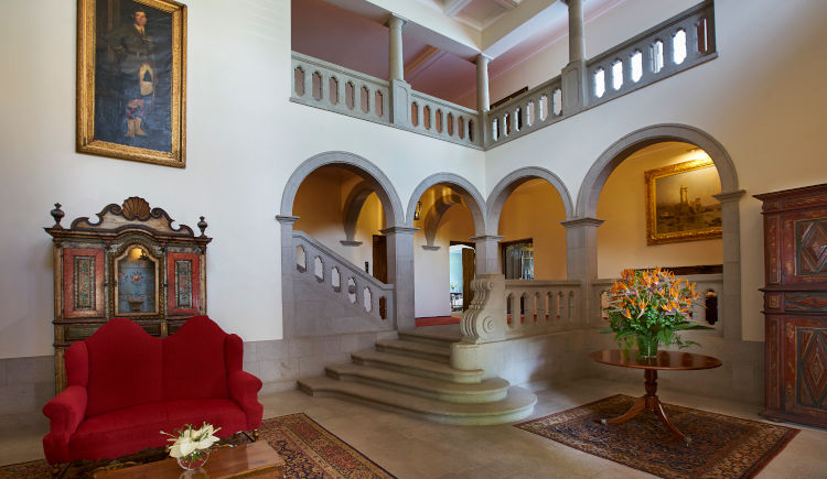Lobby Manor House