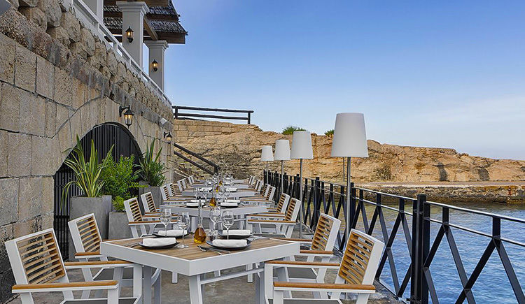 The Westin Dragonara Boathouse Lounge