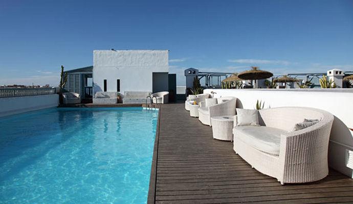 Heure Bleue Palais piscine