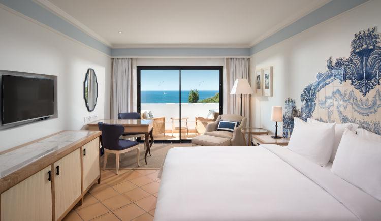 Deluxe queen room atlantic view