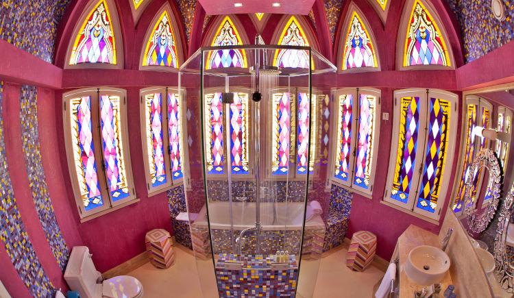 salle de bain character