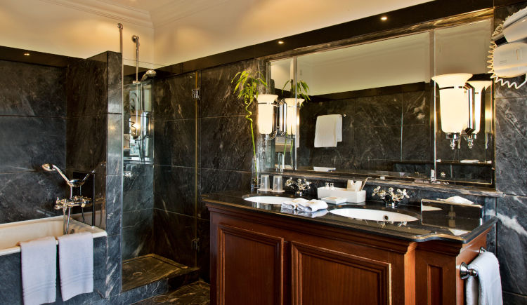 superior balcony room salle de bain