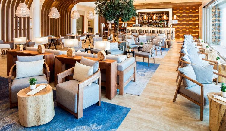 Contato lobby bar