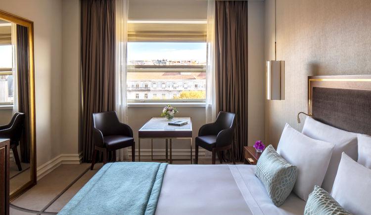 Deluxe room avenue view