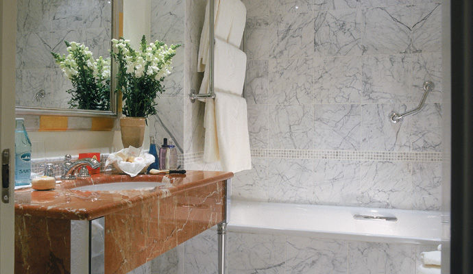 salle de bains chambre classique