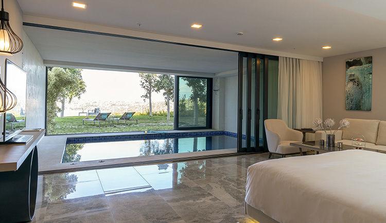 chambre avec piscine privee