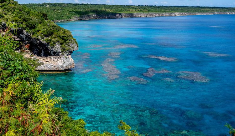 Dîle en île : De Nouméa aux îles Loyauté et à l'Ile des Pins