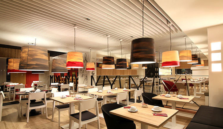 Creole Beach Hotel Restaurant