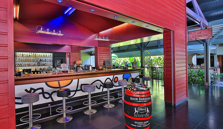 Creole Beach Hotel Bar