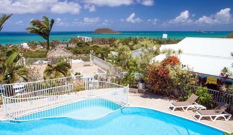 Résidence Caraïbes Bonheur + location de voiture 4 *