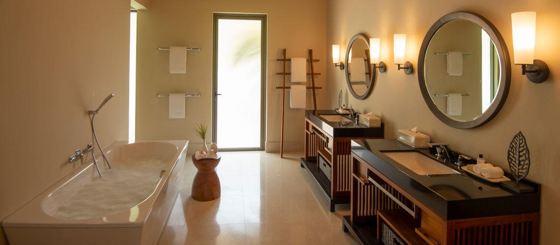 salle de bain two bedroom