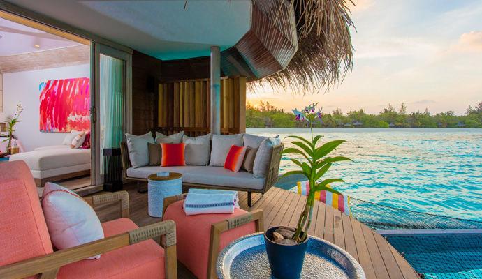 grand water pool villa
