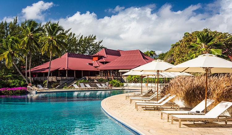 Cap Est Lagoon Resort & Spa 4* avec location de voiture 4 *