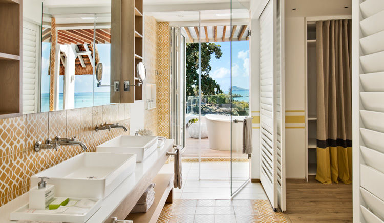 salle de bains de la suite junior romantique