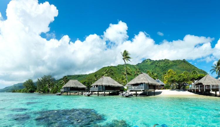 Hilton Moorea Bungalows lagoon