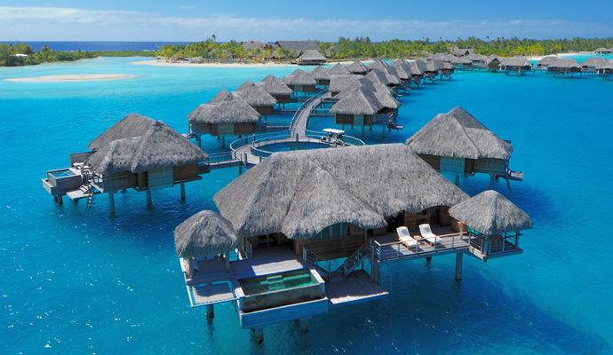 bungalow pilotis avec piscine