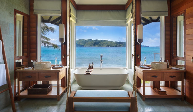 salle de bain pool villa
