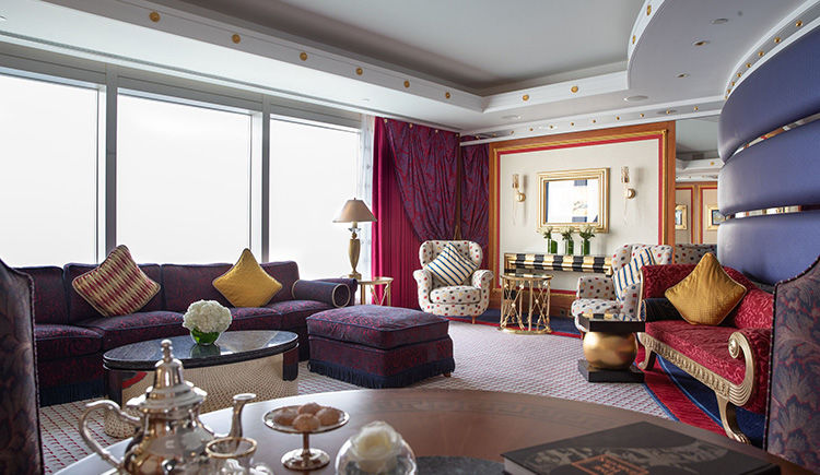 One bedroom Suite salon