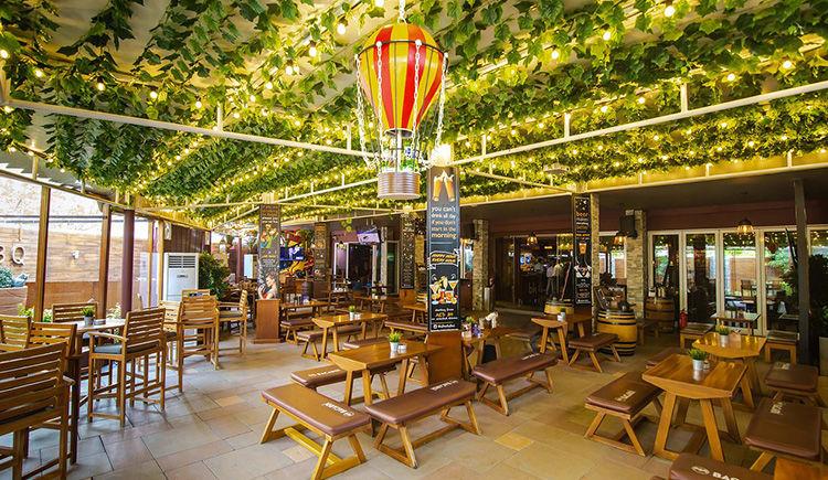 Movenpick Jumeira Lake Towers restaurant